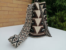 Load image into Gallery viewer, Authentic Bags Mochilas Wayuu - Café 3