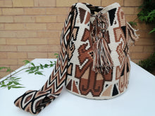 Load image into Gallery viewer, Authentic Bags Mochilas Wayuu - Café Tribe