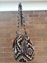 Load image into Gallery viewer, Handmade Cross-body Bags Mochilas Wayuu Collection Andes - Soacha