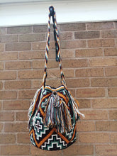 Load image into Gallery viewer, Handmade Cross-body Bags Mochilas Wayuu Collection Andes - Guadalupe