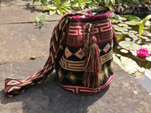 Load image into Gallery viewer, Handmade Cross-body Bags Mochilas Wayuu Collection Andes - Centro