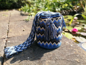Handmade Cross-body Bags Mochilas Wayuu Collection Oceano Azul - Palmas