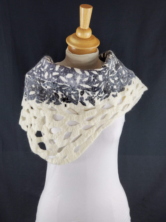 Black & White Detailed Cowl - Nuno Unique