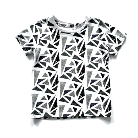 White Triangles T-shirts Full Pattern