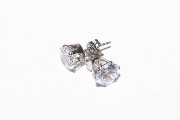 Solitaire Round Surgical Steel Studs