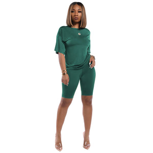 Viladress Women t-shirts and Knee Length Shorts Outfit