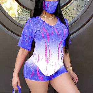 Viladress  Gradient Printing Women T-shirt and Shorts Set Two Pieces Outfit (With Face Mask)
