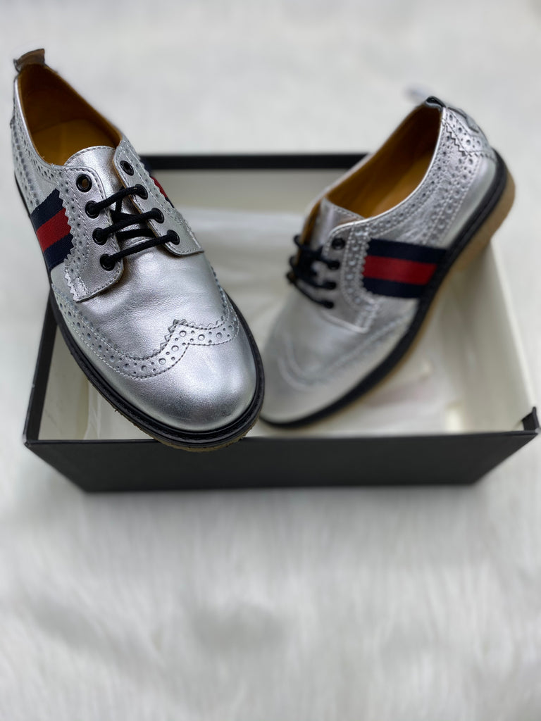 Gucci silver oxfords size 29