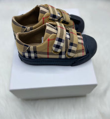 Burberry shoes size 29