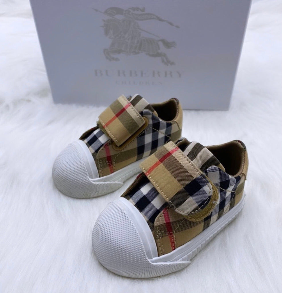 Burberry checkered pre walkers size 17/2c