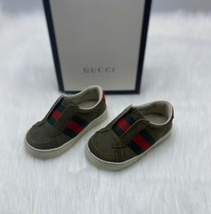 Gucci slip on size 20