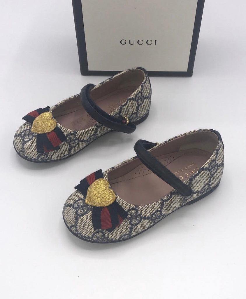 GUCCI GG FLATS WITH HEART RIBBON SIZE 24