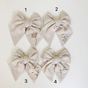 Medium Traditional Embroidered Bow - Gardenia