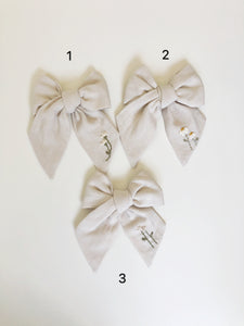 Mini Traditional Embroidered Bow - Gardenia