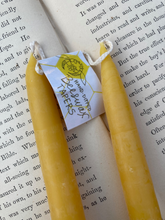 Load image into Gallery viewer, Hand Dipped Beeswax Tapers