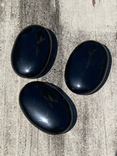 Load image into Gallery viewer, Obsidian Palm Stone