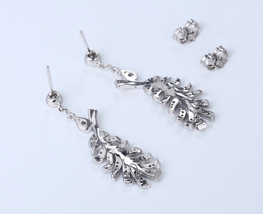 Rhodium Plated Cz Diamond Nice Feather Earring