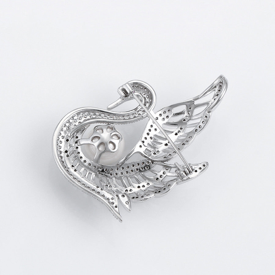 Pretty Brooch CZ Diamond & Pearl Swan Rhodium Plated