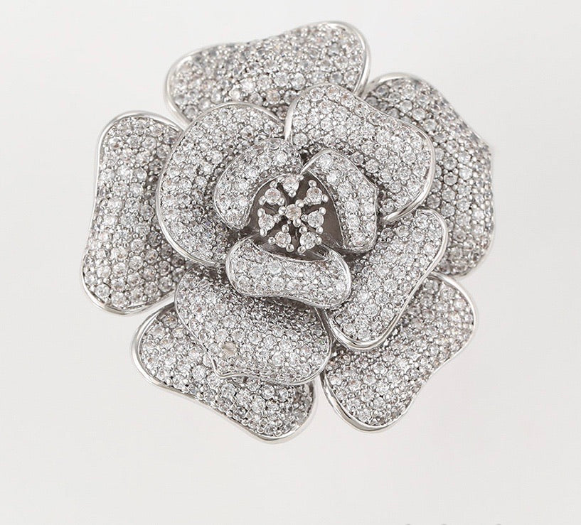Rhodium Plated Zirconia Rose Flower Ring