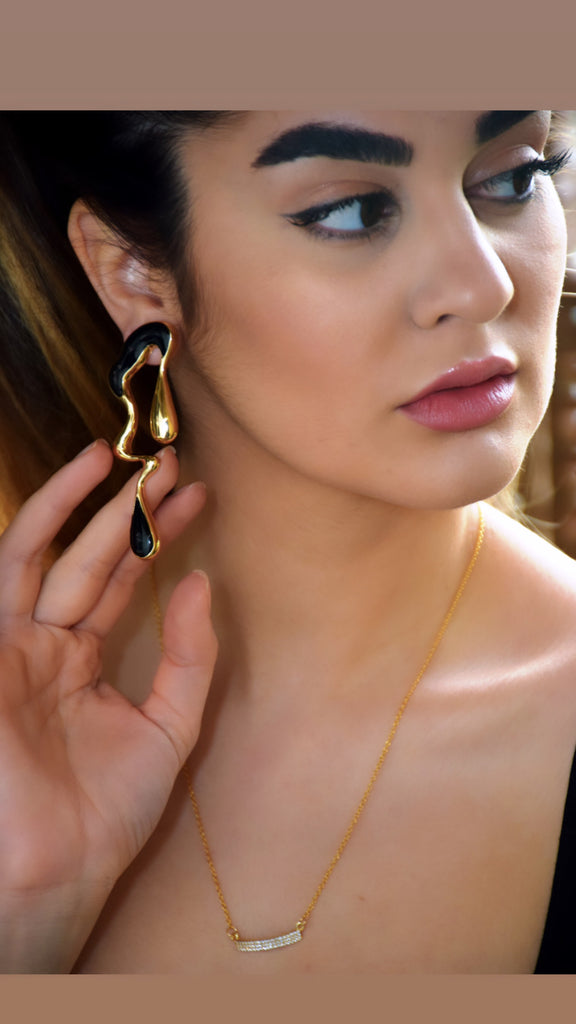 Golden Zinc Alloy Black Unique Earring