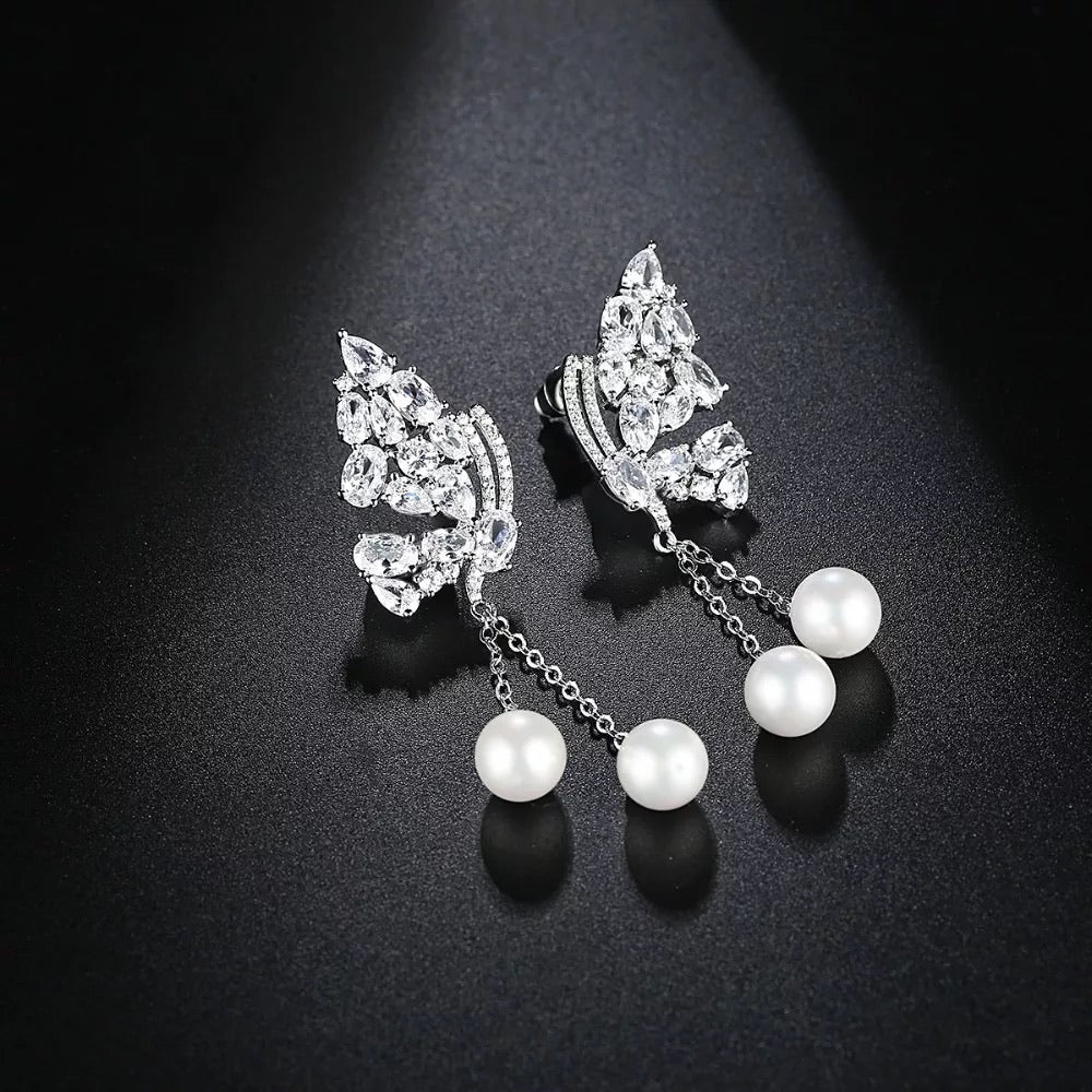 Beautiful Butterfly Crystal & Pearl Earring