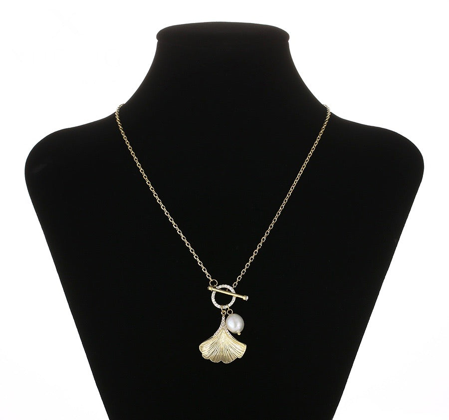 Elegant Shell & Pearl 14k Gold Plated Diamond Necklace