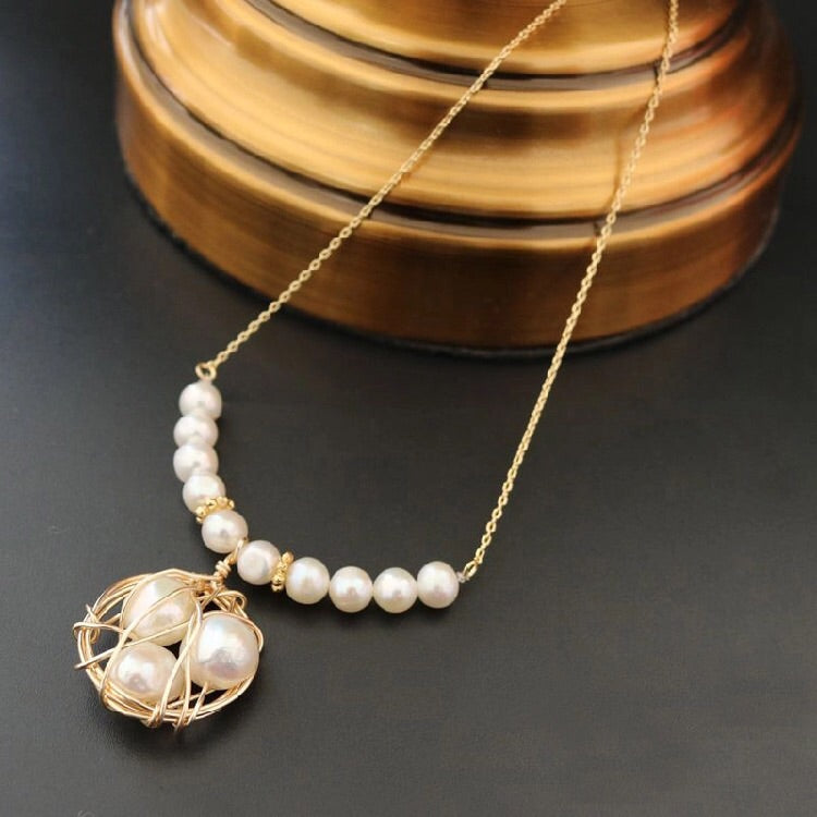 Sania Wire pearl Necklace