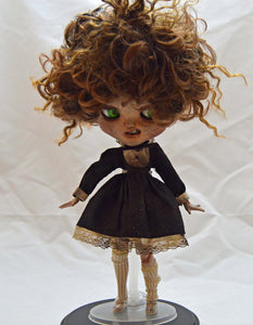 (#14) 75 Apples Art- Neo Blythe Doll Trash OOAK- BLYTHE Doll Custom TBL NOTE: Defect Eye Mech