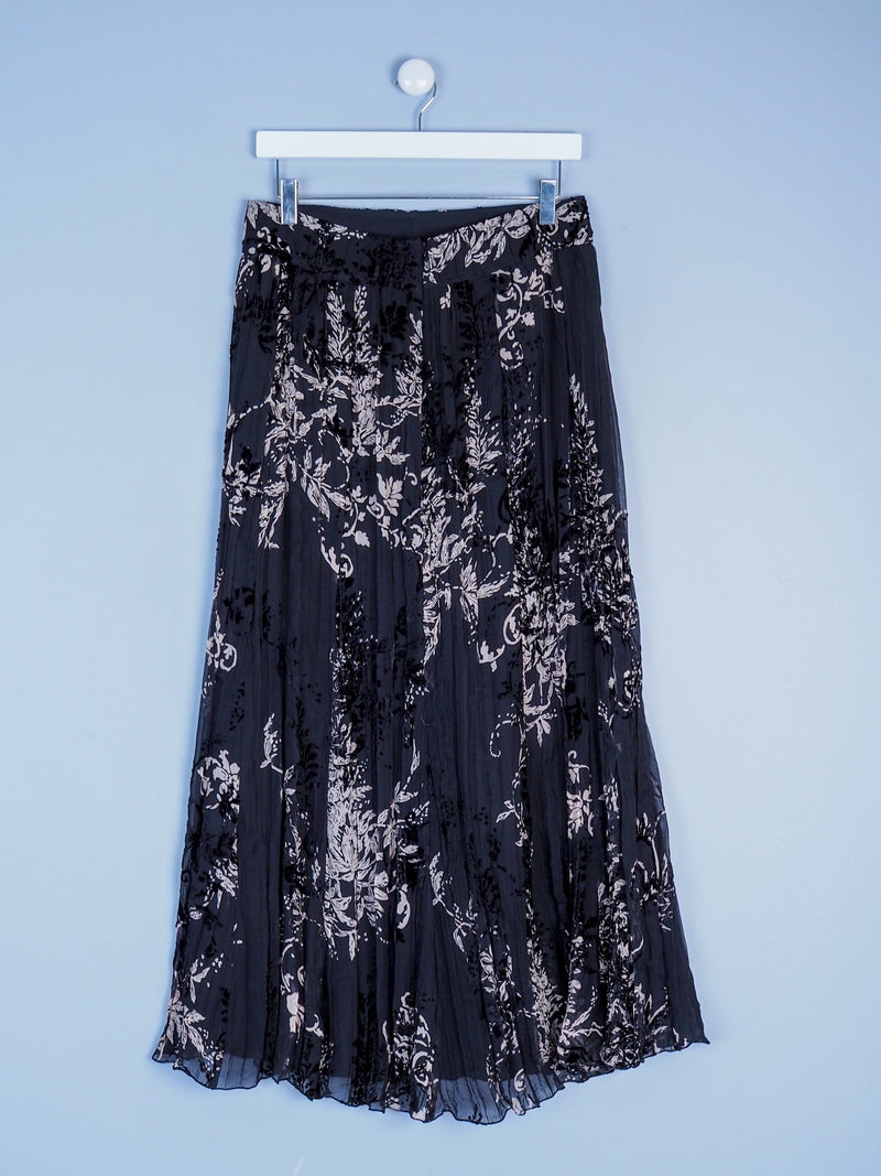 Textured Maxi Skirt With Detailed Pattern