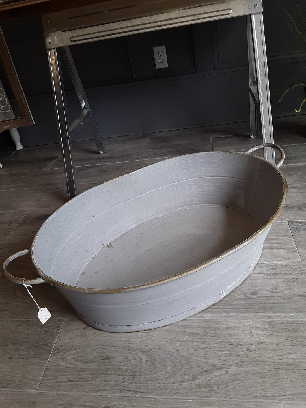 Large metal oval tub