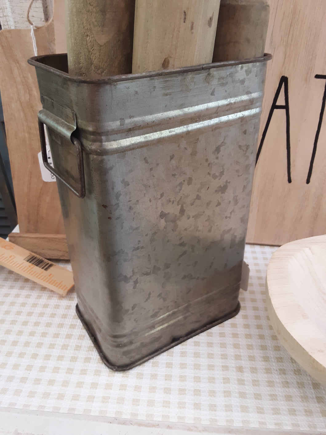Industrial tin canisters