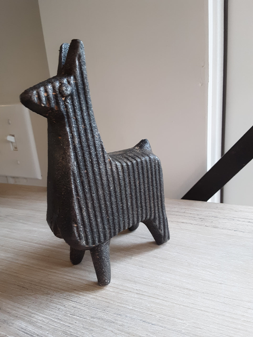 Cast iron lama