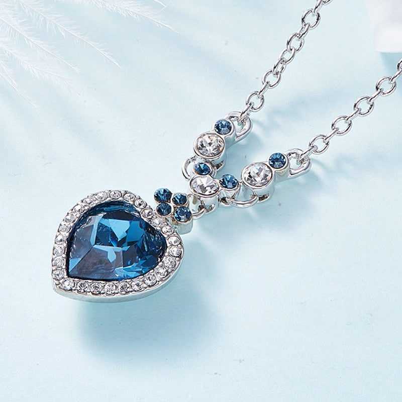 Chain Jewellery Collars Rhinestone Necklace Crystals from Swarovski Blue Heart Necklace