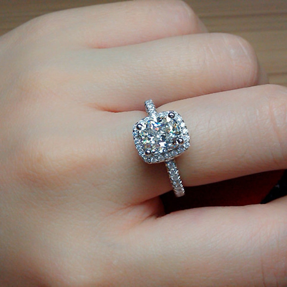 Elegant White Oval Zirconia Ring for women