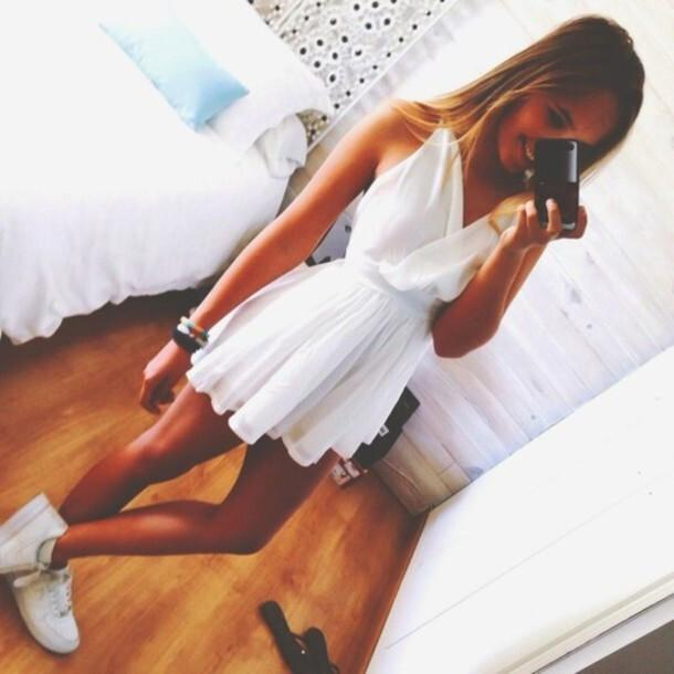 Fashion Cute White V-Neck Dress