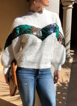 Load image into Gallery viewer, WHITE FLUFFY SEQUINED SHORT SWEATER