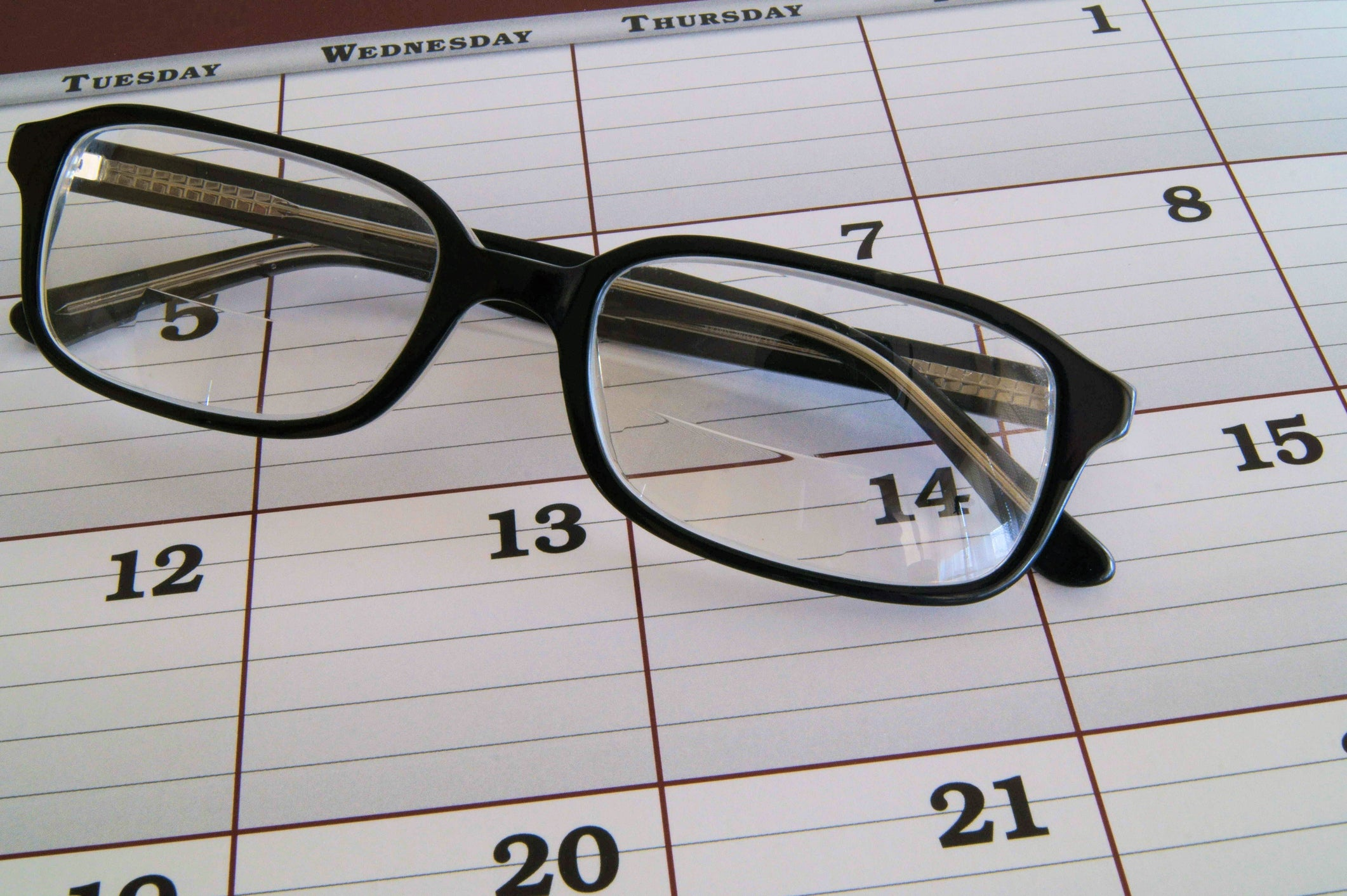 Bifocal Reading Glasses vs. Adjustable Focus: Which Are Right for You?