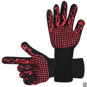 Thermo-insulating glove made of silicone-cotton.