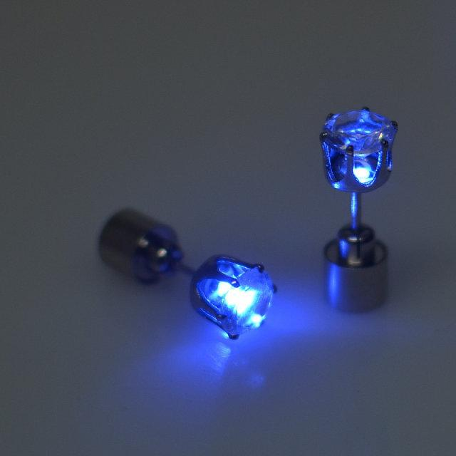 Glow in the dark Charm Light Up LED Stud Earring Urban Pronto
