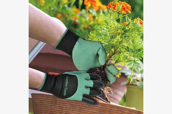 Hard Durable Gardening Gloves (Garden Genie)