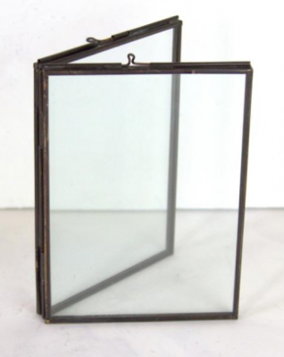 Antique Brass Freestanding 2 Pane Frame | 7x8