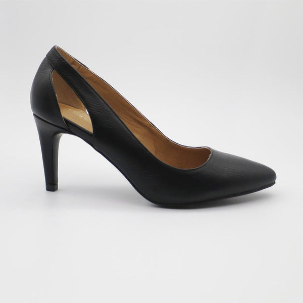 Queue Women's Ella Cut Out Court Shoe - Black