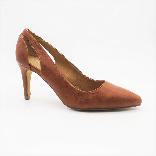 Queue Women's Ella Cut Out Court Shoe - Tan