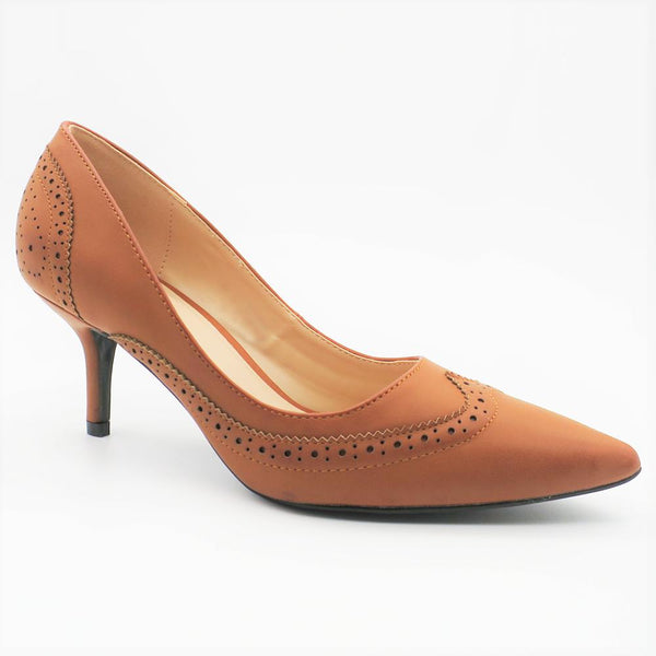 Queue Women's Jane Brogue Heel Courts - Tan