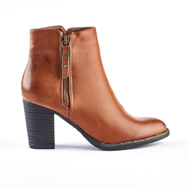 Queue Addison Block Heel Boot - Tan