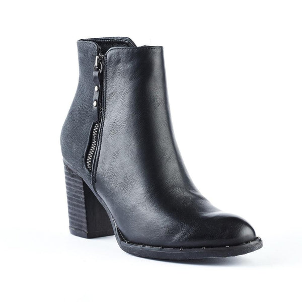 Queue Addison Block Heel Boot - Black