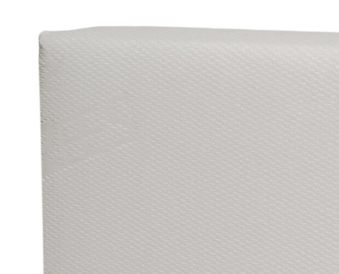 Pure Zees baby mattress with no raised edge or quilting in order to avoid gathering of dust and pollen