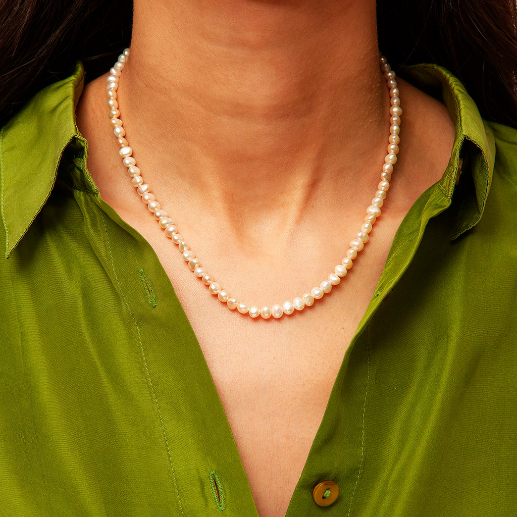 Julie Pearl Necklace