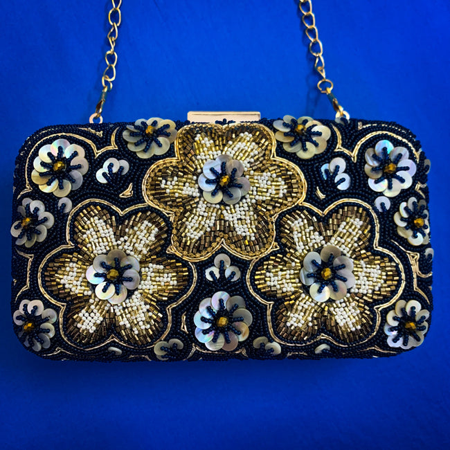 Minaudiere - Embroidered MOP Flower