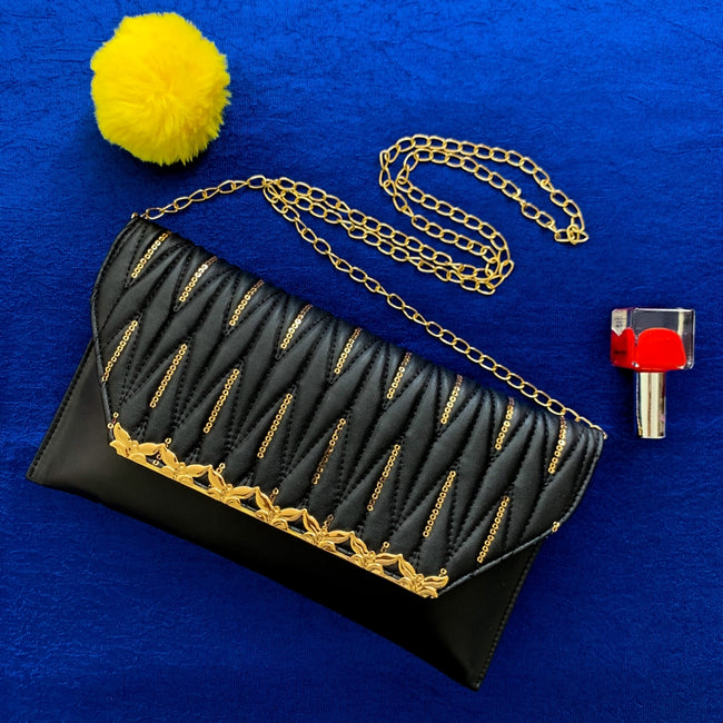 Feather Light Envelope Clutch - GW36